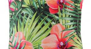 Romans z delikatnym bladoróżowym wzorem kwiatowym przystoi nie tylko najwierniejszym miłośnikom stylu retro.Motywy kwiatowe we wnętrzach idealnie urozmaicą aranżację na wiosnę i początek lata.