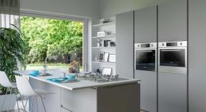 Urządzając kuchnię warto wybrać sprzęty AGD do zabudowy. Zajmują mniej miejsca, estetycznie się prezentują i podnoszą funkcjonalność przestrzeni.