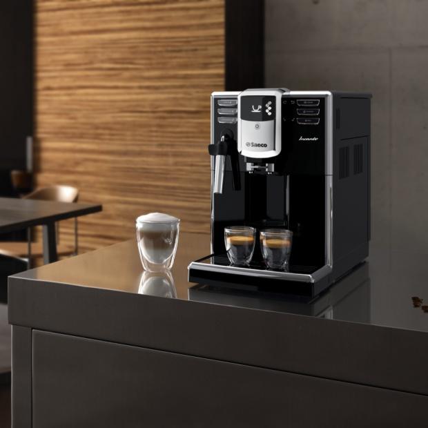 Małe AGD: na co zwrócić uwagę wybierając ekspres do kawy