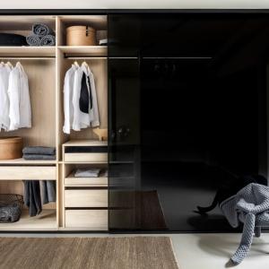 Praktyczna garderoba - poznaj nowoczene szafy wnękowe