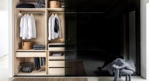 O tym, że pojemna szafa jest niezbędna w każdym domu przekonywać nikogo nie trzeba. <br />Ale czy umieszczony we wnęce mebel może być efektowym elementem aranżacji wnętrza?