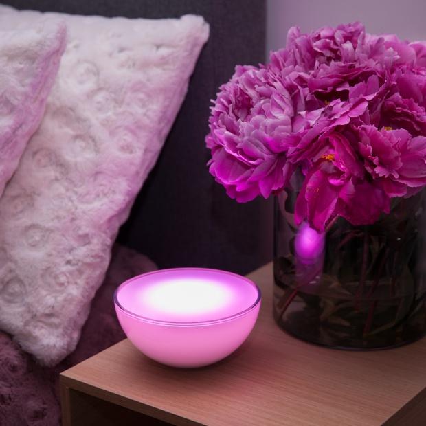 Wszystkie kolory w sypialni - nowoczesne oświetlenie