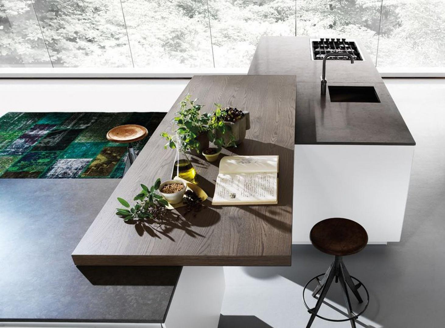 Piękny kompozytowy blat do złudzenia imitujący drewno. Fot. Kari Mobili marka Binova, kuchnia Mood
