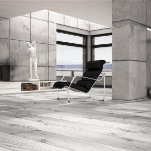 Structure z oferty RuckZuck to kolekcja stylizowana na wiekowe drewniane deski. Matowa struktura podkreśla efekt oszlifowanego drewna zaimpregnowanego olejem. 61,90 zł/m² (dekor Dąb Biały). Fot. Ruck Zuck