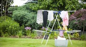 Pozornie prozaiczne czynności, jakimi są pranie i prasowanie wymagają nie lada wysiłku i dobrej organizacji pracy, o czym wie doskonale każda pani domu.