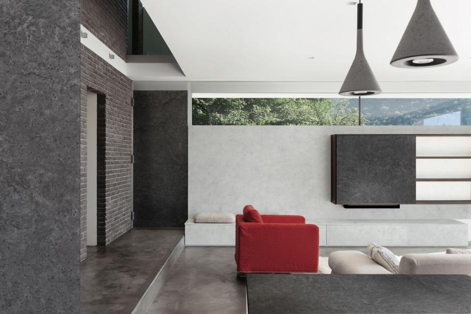 Element płaski oklejony laminatem HPL w kolorach smooth i raw concrete. Fot.  Pfleiderer