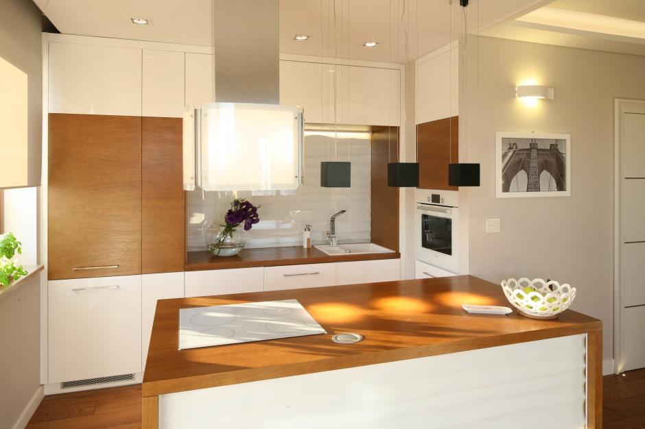 Ciepły kolor drewna na Modna kuchnia wybierz biel z drewnem  Strona  -> Kuchnia Biel Grafit