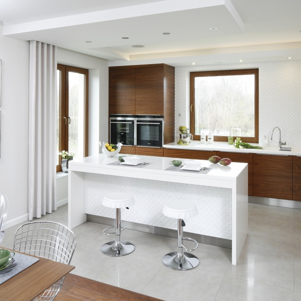 Modna kuchnia: wybierz biel z drewnem