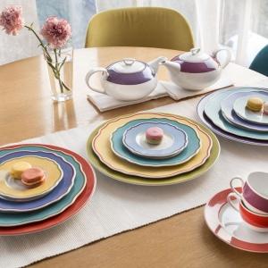 Kreatywny stół: skomponuj kolorową zastawę
