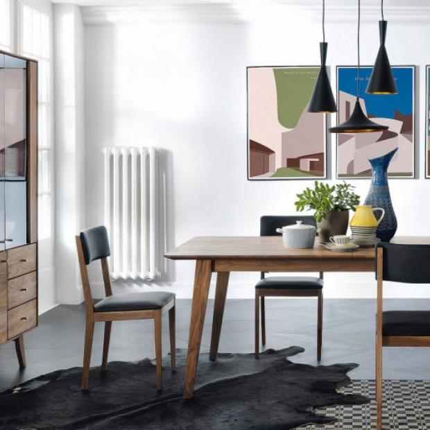 Stół z litego drewna: sprawdź 5 pomysłów