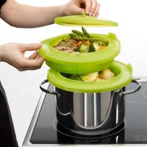 Naczynie Steamer: zestaw do gotowania na parze. Fot. Lekue