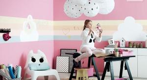 Farby tablicowe umożliwiają urządzenie pokoju w nietuzinkowym stylu, który każdego dnia dzieci będą mogły dekorować według własnego pomysłu.