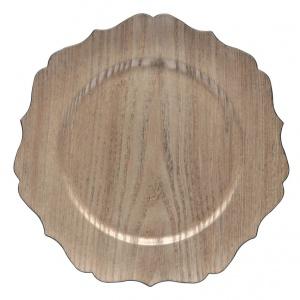 """Talerz """"Irmine"""", Ø 33 cm Produkowane przez Bitossi Home zastawy stołowe, talerze i półmiski charakteryzują się prostotą, estetycznym wyczuciem formy i harmonią barw. Profilowany talerz w kolorze drewna nada aranżacji stołu naturalny, rustykalny charakter. Cena: 45 zł, fot. Westwing.pl"""
