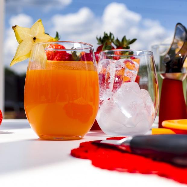 Lato w kuchni -  zobacz jak serwować zimne napoje
