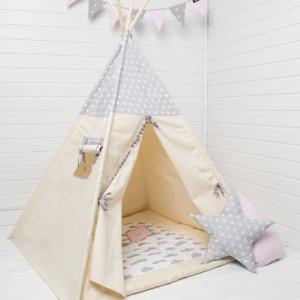 Namiot tipi Grey Stars - w zestawie: tipi, pokrowiec na namiot, 4 sosnowe kije. 339 zł, Cozy Dots.
