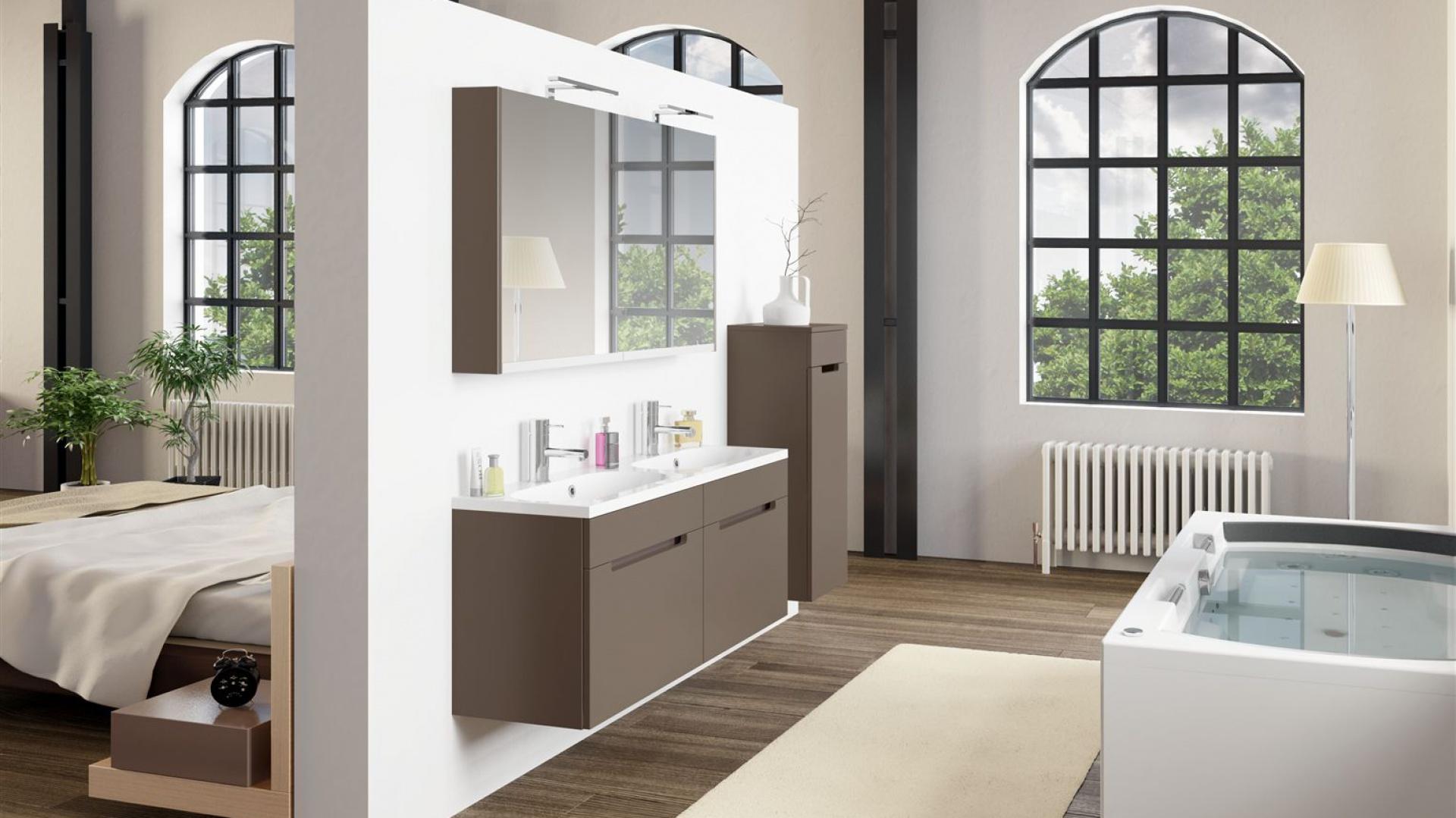 Pomysł na łazienkę połączoną z sypialnią. Na zdjęciu: wanna z hydromasażem Lisa z serii Thermae Line marki Riho, wymiary 180x90 cm. Fot. Riho.
