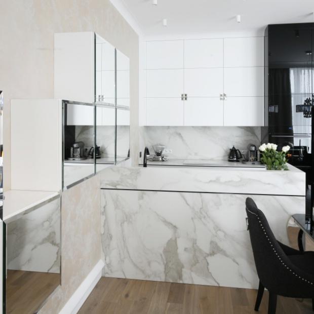 Jak oddzielić kuchnię od salonu za pomocą półwyspu?