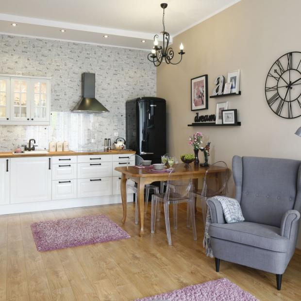 Przytulne mieszkanie - zobacz wnętrze w stylu retro