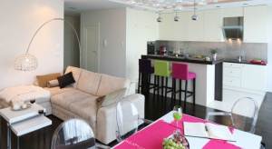 Meble do kuchni na jedną ścianę to idealne rozwiązanie do kuchni otwartej na salon. Sprawdź nasze propozycje.