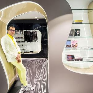 Karim Rashid projektuje gadżety i sklepy erotyczne