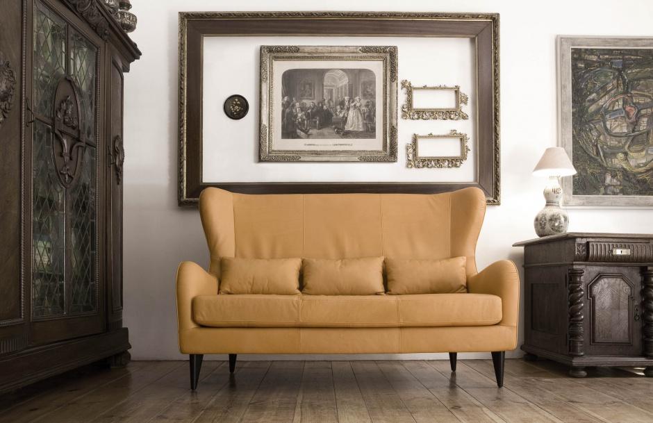 Tapicerowane meble, jak sofa czy fotele, to elementy aranżacji, które zdecydowanie wpływają na charakter wnętrza. Jak sprawić, by przez długi czas zachwycały intensywnym kolorem i fakturą obicia? Fot. Sits