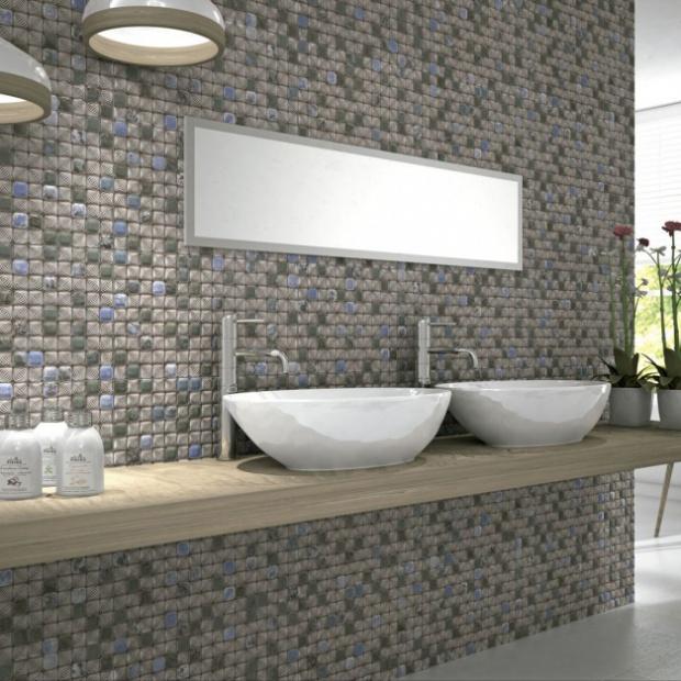 Dekorujemy ściany w łazience mozaiką