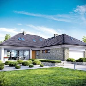 """Dom zaprojektowano na planie ,litery """"L"""". Fot. Pracownia Projektowa Archipelag"""