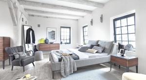 Nowe propozycje łóżek do sypialni łączą lekkość oraz elegancką formę drewnianej konstrukcji z miękką tapicerką, która zapewnia komfort użytkowania. To meble dla tych, dla których sypialnia to miejsce dobrego snu i relaksu.