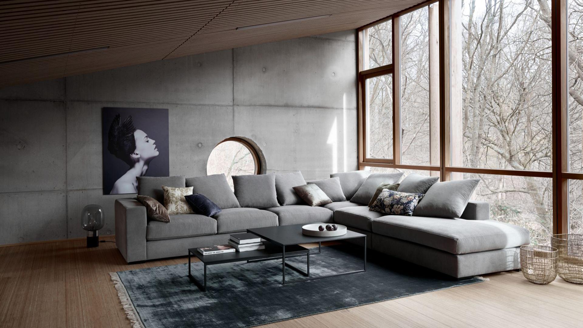 Sofa Cenova z modułem wypoczynkowym i szezlongiem. Fot. BoConcept.