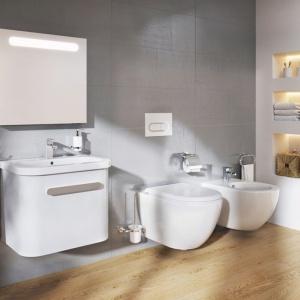 Umywalka, bidet, miska WC  z serii Uni Chrome R. Fot. Ravak