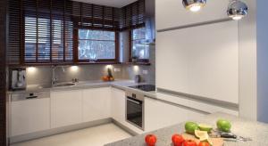 Kamień w kuchni pełni nie tylko role praktyczne, ale też dekoracyjne. Zobaczcie pomysły z polskich domów