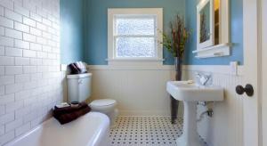 """Stylowa, nostalgiczna, elegancka - łazienka w stylu retro to odważny i bardzo oryginalny wybór do naszych domów. Jeśli się na nią zdecydujemy, """"odwdzięczy"""" się przytulnym i szykownym wnętrzem, przywodzącym na myśl wczesne lata minion"""