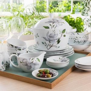 Piękna porcelana - serwis z kwiatowym dekorem