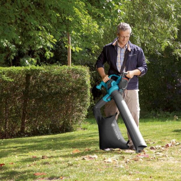 Jesienny ogród: sposób na opadające liście
