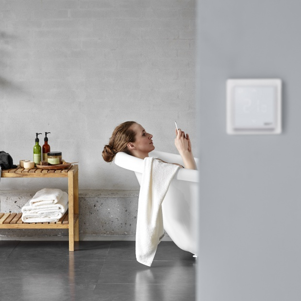 Sterowanie ogrzewaniem podłogowym przez smartfona