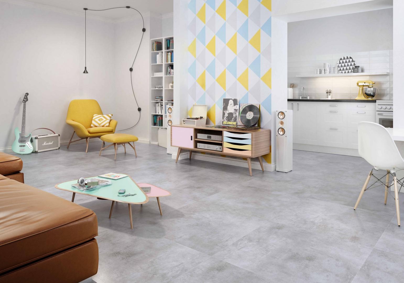 Kolekcja gresu SCRATCH (75x75 i 75x24,7 cm) strukturą i kolorem przypomina beton, wzbogacona o efektowne dekoracje w kształcie heksagonów; w pięciu odcieniach. 116,85 zł/m² (75x75 cm), 104,55 zł/m² (75x24,7 cm), 59,66 zł/szt. (heksagony). Fot. Ceramika Paradyż