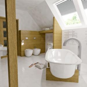 Łazienka jest doskonale doświetlona, dzięki sporej ilości przeszkleń. Projekt: arch. Maja Klimowicz, Fot. Archeco Dom dla Ciebie