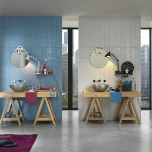 Płytki z kolekcji Square Wall z dekorami Formelle Blu Formelle Bianco 12,5x25cm. Fot. Italgraniti