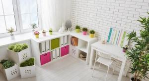 Kojarzony z minimalizmem, ergonomią i wszechobecną bielą styl skandynawski jest bardzo zróżnicowany. Szeroka oferta bielonych podłóg Kaczkan pozwala na dobranie idealnego rozwiązania do każdej stylizacji ze skandynawską duszą.