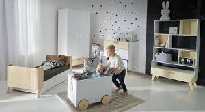 Projektanci z krakowskiego studia stworzyli mebelki, z którymi dziećmi zechcą się zaprzyjaźnić na długie lata. I będą mogły to zrobić: sprzęty zostały zaprojektowane tak, aby rosły razem z dziećmi.
