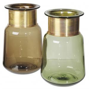 Szklane wazony dekoracyjne TIDE dostępne są w dwóch modnych kolorach – matowego złoto oraz tymianku. Fot. Broste Copenhagen
