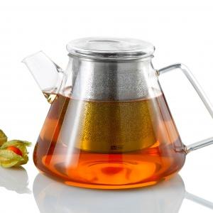 Szklany dzbanek do herbaty ORIENT wyposażony jest w w stalowy filtr, pełniący rolę zaparzacza, ozdobiony przepięknymi orientalnymi wzorami. 249 zł. Fot. AdHoc