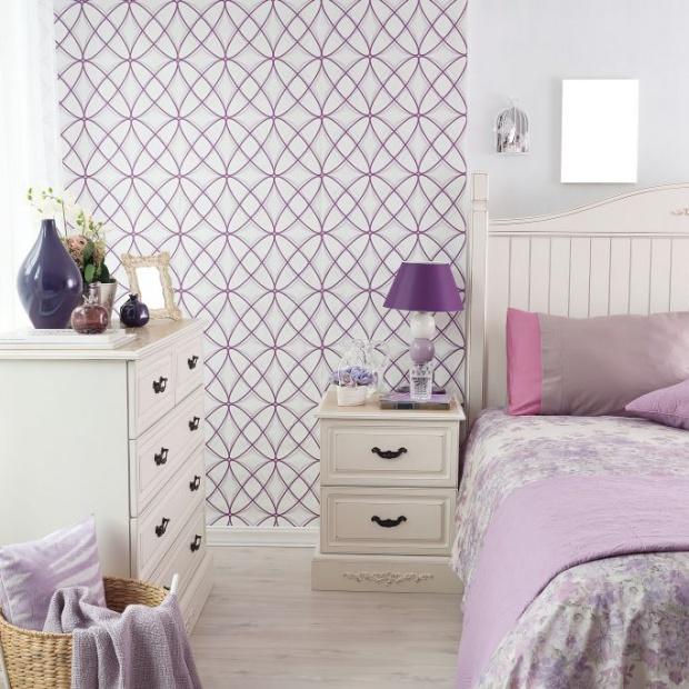 Królewska sypialnia w odcieniach fioletu