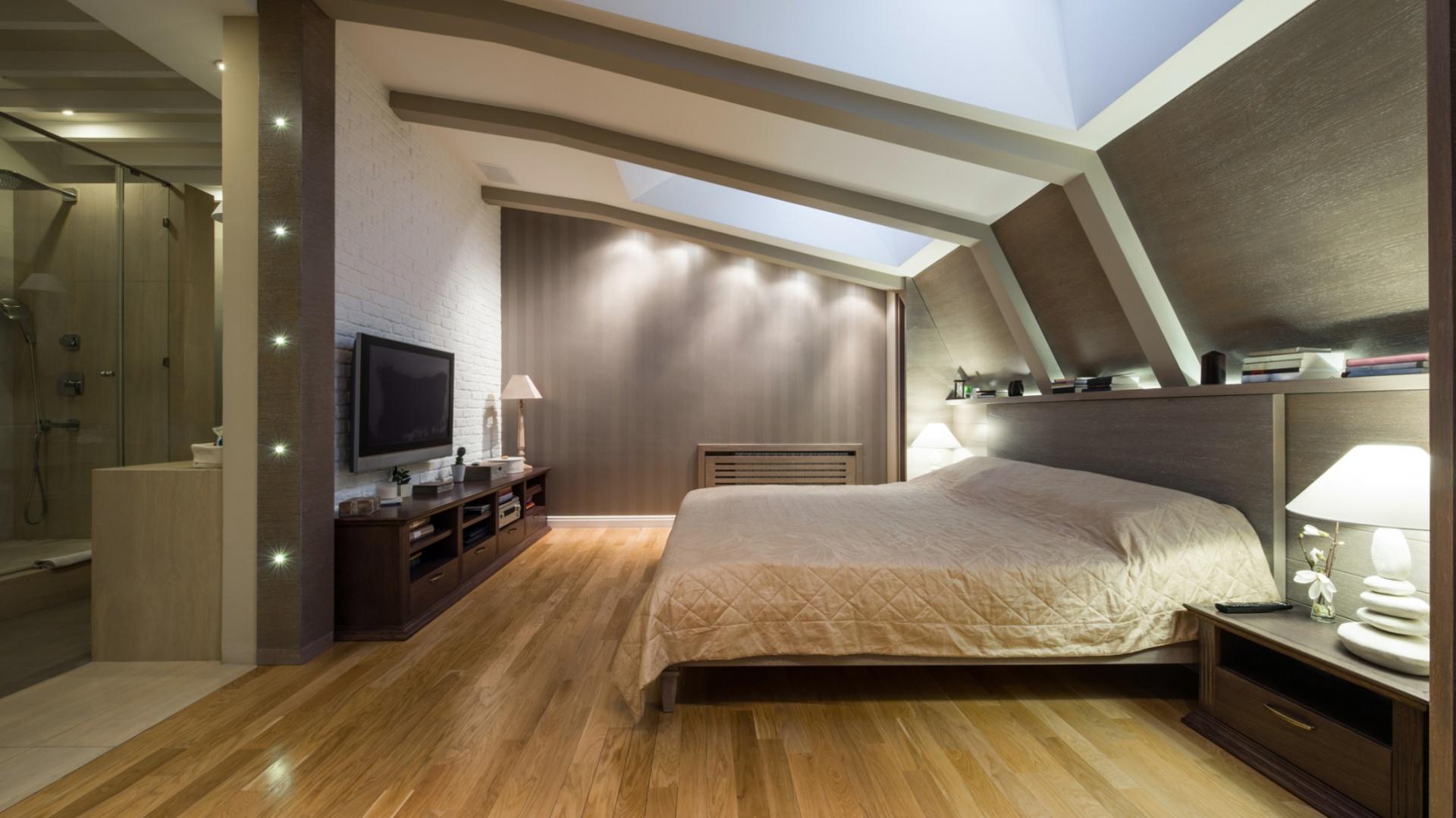 Urządzamy poddasze - postaw na urok drewnianej podłogi: Proparkiet dąb Rustical. Fot. Kaczkan