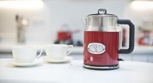 Czajnik, toster, ekspres do kawy nawiązujące designem do stylu retro nadadzą każdej kuchni oryginalny charakter. Będzie funkcjonalnie i stylowo.