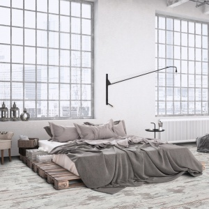 Sypialnia w stylu loft: na podłodze panele laminowane Adventure 4V - Fresco z oferty Ruck Zuck. Fot. RuckZuck