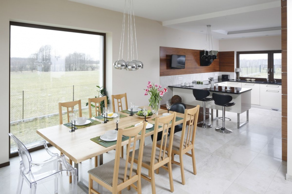 Kuchnia otwarta na jadalnię Salon z kuchnią i jadalnią 30 pięknych wnętrz -> Kuchnia Z Oknem Otwarta Na Salon
