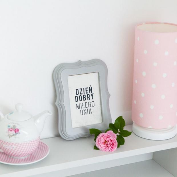 Romantyczny pokój dla dziewczynki w stylu angielskim