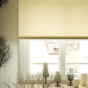 Aranżacja okna w jasnych, naturalnych barwach. Fot. Prakto