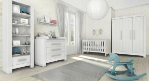 Aby jeden zestaw mebli pasował zarówno do pokoju niemowlaka, jak i nastolatka, musi zostać zaprojektowany w przemyślany sposób. Prostota jest tu kluczowa.